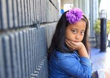błękitny dziewczyny cajgów koszulowy target1732_0_ Obraz Royalty Free