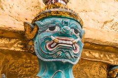 Błękitny Gigantyczny opiekun w Wata Phra Kaew świątyni obraz royalty free