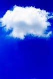 błękitny jaskrawy chmur nieba biel Fotografia Royalty Free
