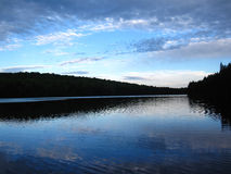Błękitny jeziorny ing Zielone góry obrazy royalty free