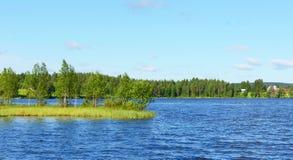 Błękitny jezioro. Zdjęcie Stock