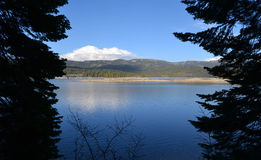 Błękitny jezioro Zdjęcia Stock