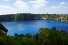Błękitny jezioro, góra gambir Obraz Royalty Free