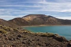 Błękitny jezioro od tongariro wysokogórskiego skrzyżowania Zdjęcie Stock