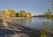 Błękitny jezioro park przy zmierzchem Oregon Zdjęcie Stock