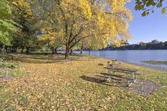 Błękitny jezioro park przy zmierzchem Oregon Obrazy Royalty Free