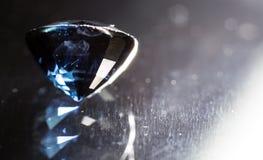 Błękitny klejnot na czarnym tle Fotografia Royalty Free