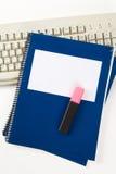 błękitny komputerowej klawiatury szkoły podręcznik Fotografia Stock