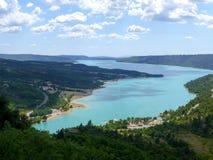 Błękitny Lac De sainte-Croix jezioro blisko Verdon wąwozów w Provence, Francja zdjęcie royalty free