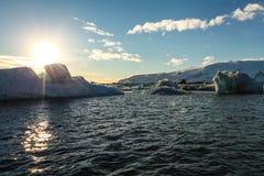 Błękitny lodowa lód, góra lodowa, Jokulsarlon laguna, Iceland Obraz Royalty Free