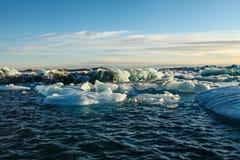 Błękitny lodowa lód, góra lodowa, Jokulsarlon laguna, Iceland Zdjęcia Stock