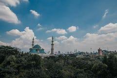 Błękitny Majestatyczny meczet Obrazy Royalty Free
