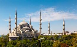 Błękitny meczet przeciw niebieskiemu niebu obrazy royalty free