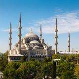 Błękitny meczet przeciw niebieskiemu niebu zdjęcia royalty free