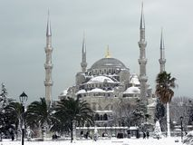 Błękitny meczet w śnieżnym Istanbuł, Turcja Zdjęcie Stock