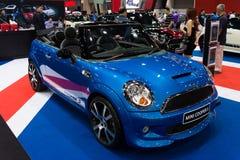 Błękitny Mini Cooper S na pokazie Obrazy Royalty Free