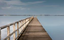 błękitny mola denny słońce drewniany Zdjęcia Royalty Free
