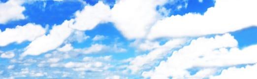 Błękitny niebieskie niebo, lato czas Obraz Royalty Free