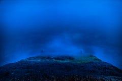 Błękitny nocy morze i surfuje fala Obraz Stock