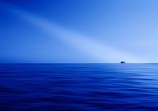 Błękitny oceanu horyzontu promień światło abstrakcja Fotografia Stock