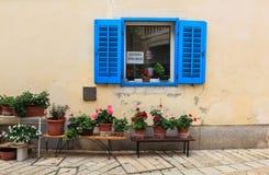 Błękitny okno w Porec Obraz Royalty Free