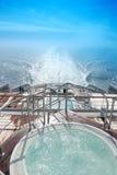 błękitny pływa statkiem niebo Zdjęcia Royalty Free