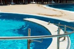 Błękitny pływacki basen obrazy stock