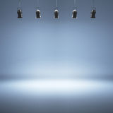 Błękitny pracowniany tło z światłami reflektorów Obraz Royalty Free