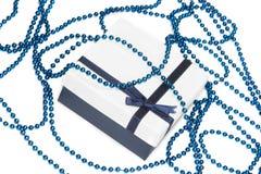 Błękitny prezenta pudełko z łękiem Zdjęcie Royalty Free