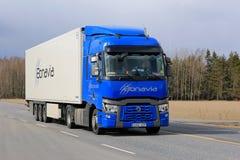 Błękitny Renault Przewozi samochodem T transport zdjęcie royalty free