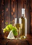 błękitny sera winogron biały wino fotografia stock