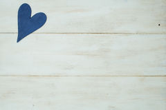 Błękitny serce na białym tle, drewno malował Greckiego błękit Obraz Royalty Free