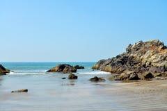 błękitny skał morza niebo Fotografia Royalty Free
