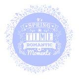 Błękitny sztandar z kwiatów ornamentami i rocznik typografii literowaniem Zdjęcia Royalty Free