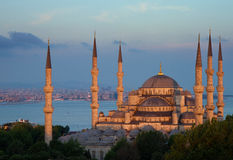 błękitny wieczór opóźniony meczetowy słońce Fotografia Stock