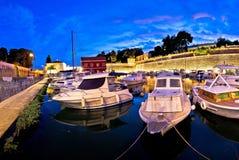 Błękitny wieczór w Zadar Fosa schronieniu Obrazy Stock