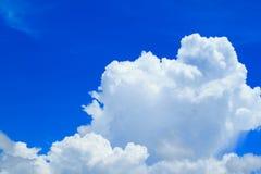 błękitny zbliżenia chmury niebo Zdjęcia Royalty Free