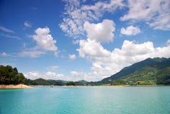 błękitny zieleni nieba woda Obraz Royalty Free