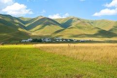 błękitny zieleni wzgórzy niebo Zdjęcie Royalty Free