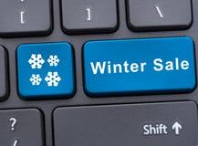 Błękitny zimy sprzedaży klucz na klawiaturze Obraz Stock
