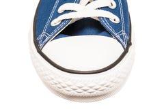 Błękitnych Starych Sneakers Frontowy widok Fotografia Stock