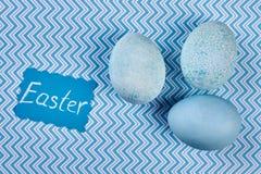 Błękity farbujący jajka obrazy royalty free