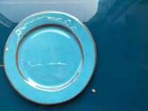 Bławy naczynie z pomarańczowymi obręczami obraz stock