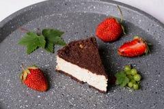 Błogi kakao tort z chałupa sera plombowaniem zdjęcie stock