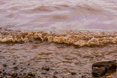 Błotniste Wodne fala Panshet fotografia stock