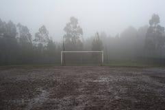 Błotnisty boisko do piłki nożnej obrazy stock