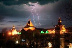 Błyskawica błyski i grzmotów burczenia Volga rezydencja ziemska Zdjęcie Stock