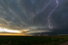 Błyskawica w supercell burzach nad northeastern Kolorado zdjęcia stock
