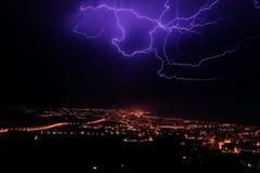 Błyskawicowa burza nad Samsun miastem, Turcja fotografia royalty free