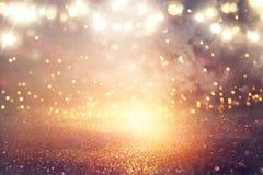 Błyskotliwość rocznik zaświeca tło Srebro i złoto skupiający się obrazy royalty free